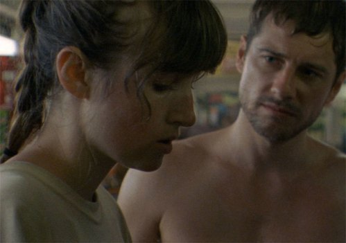 Kate Lyn Sheil and Kentucker Audley in SUN DON'T SHINE.